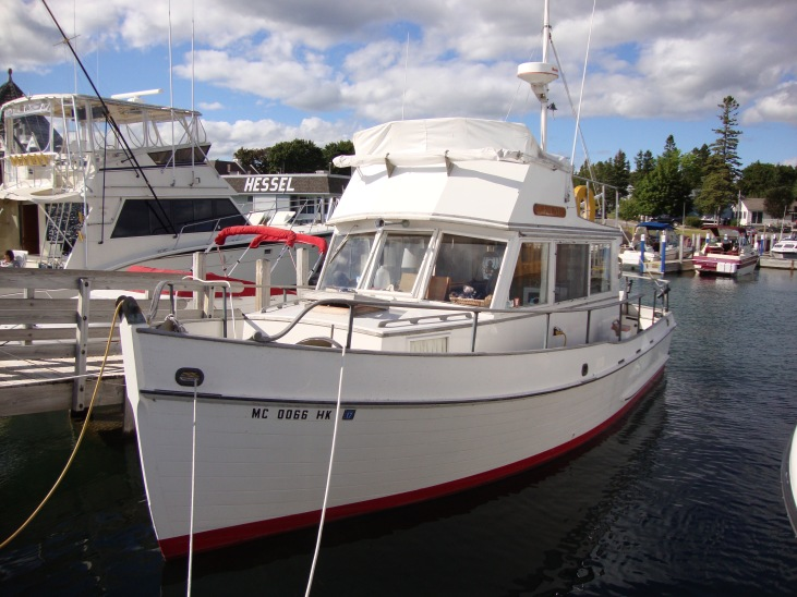 Don's GB 32 - a 93 year young guy who lives aboard at Hessel in the summer