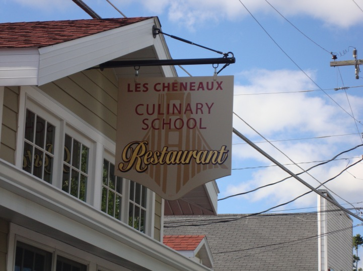 Les Chineaux Culinary School