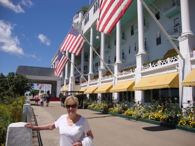 Grand Hotel - Famous Veranda and the Admiral on SEA TO SEE