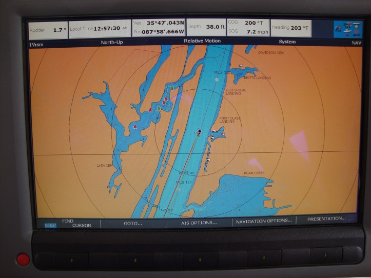 Typical river shot with bays, inlets, tributaries, etc. from the Raymarine C120W Chart plotter with Navionics cartography