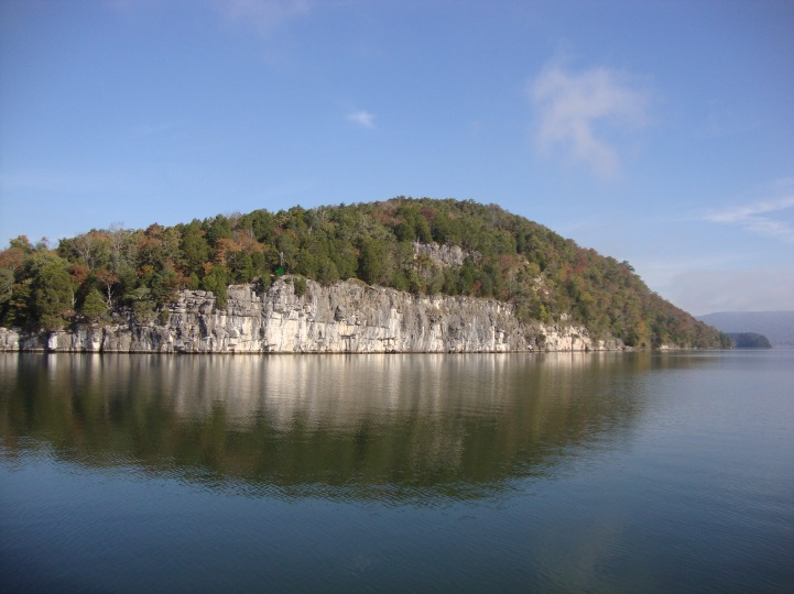 More of the scenic Tennessee River bank heading to Chattanooga
